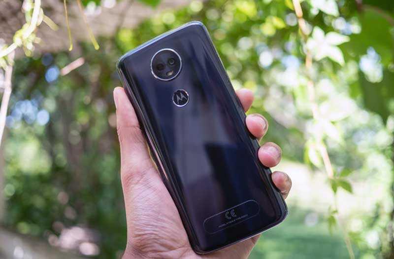 Moto E5 Plus камера