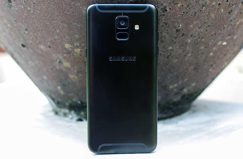 Samsung Galaxy A6 (2018) отзывы