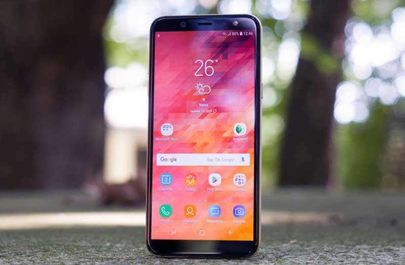 Обзор Samsung Galaxy A6 (2018): достойного среднего смартфона
