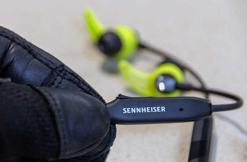Пульт Sennheiser CX Sport и микрофон