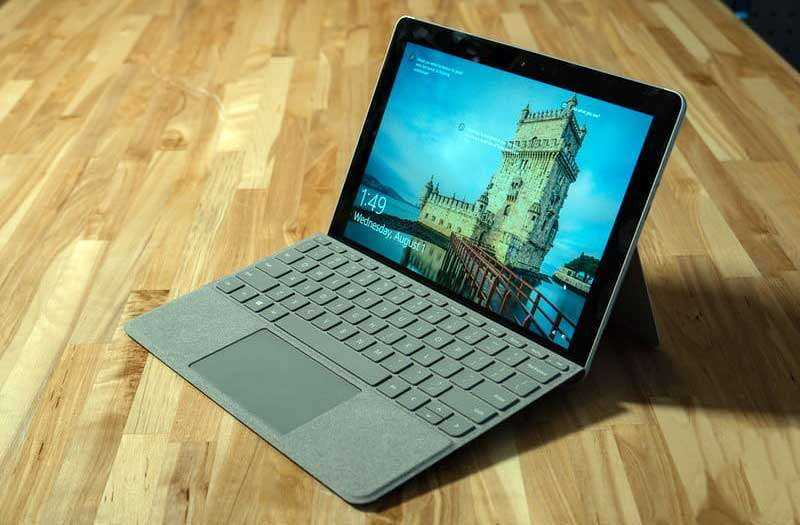 Экран Microsoft Surface Go