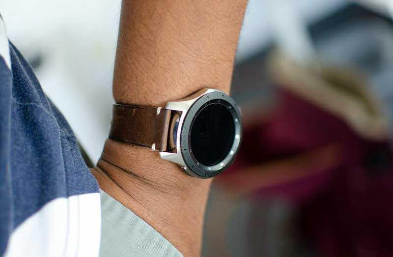Samsung Galaxy Watch обзор