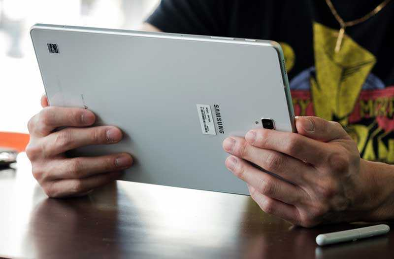 дизайн Samsung Galaxy Tab S4