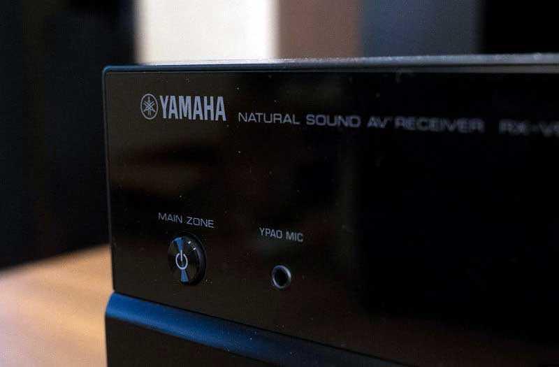 Дизайн Yamaha RX-V683