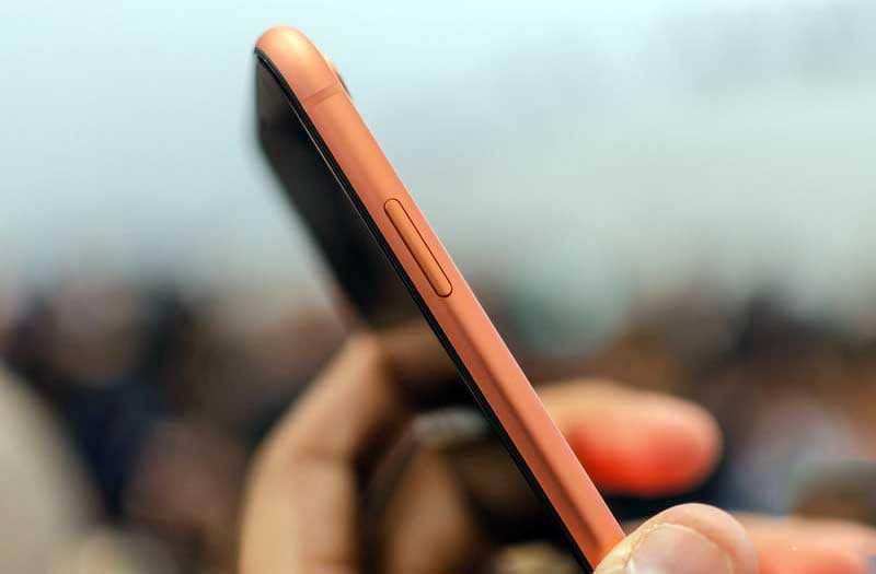 Телефон iPhone XR