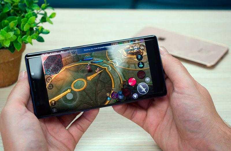 Galaxy Note 9 и iPhone XS Max в играх