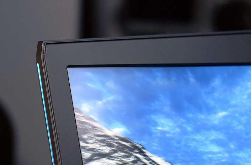 Дисплей Alienware 17 R5