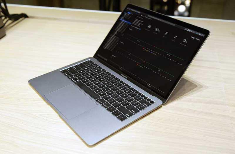 Apple MacBook Air (2018) в работе