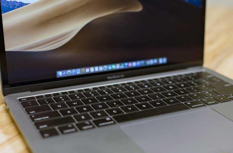 Apple MacBook Air (2018) клавиатура