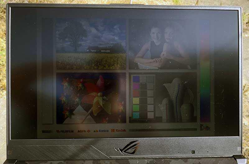 Asus ROG Strix Scar II GL704 дисплей