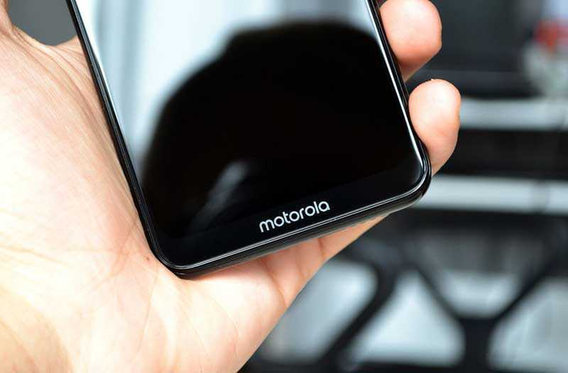 Экран Motorola One