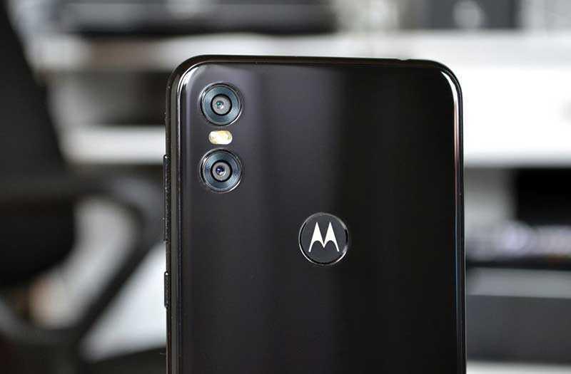 Камера Motorola One