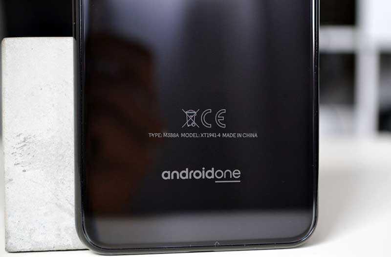 Конструкция Motorola One