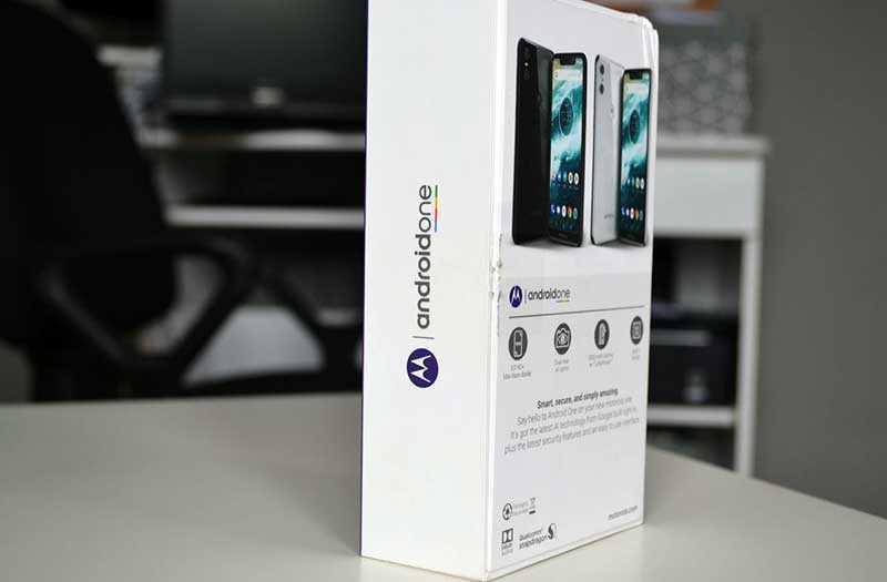 Motorola One из коробки