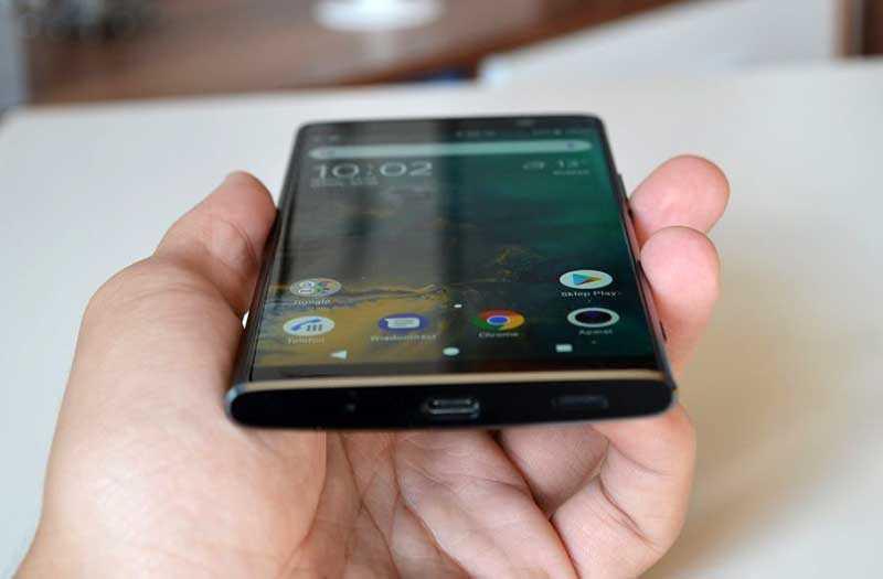 Sony Xperia XA2 Plus под углами