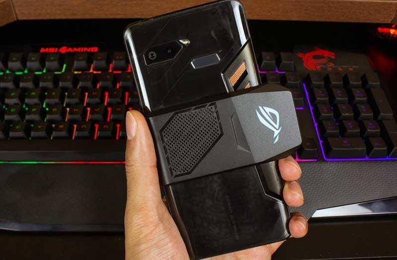 Asus ROG Phone с охлаждением