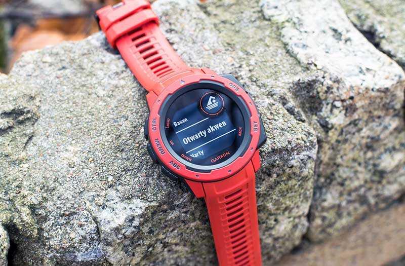 Garmin Instinct спортивные часы