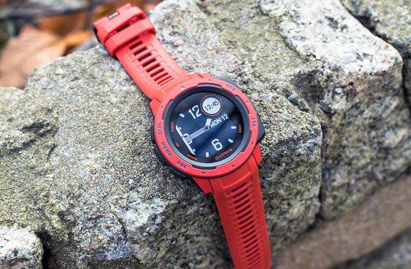 Garmin Instinct умные часы