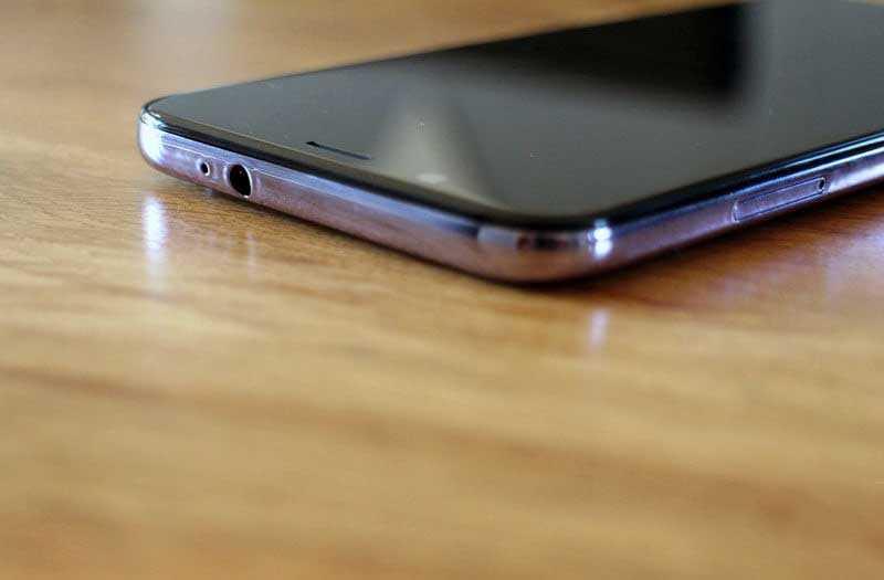 Смартфон HTC U12 Life