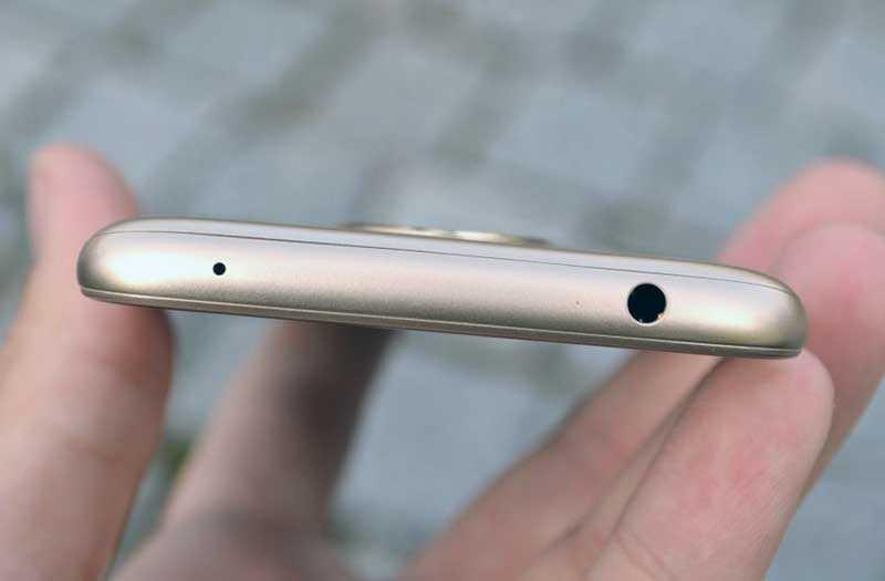 Motorola Moto E5 порт 3,5 мм