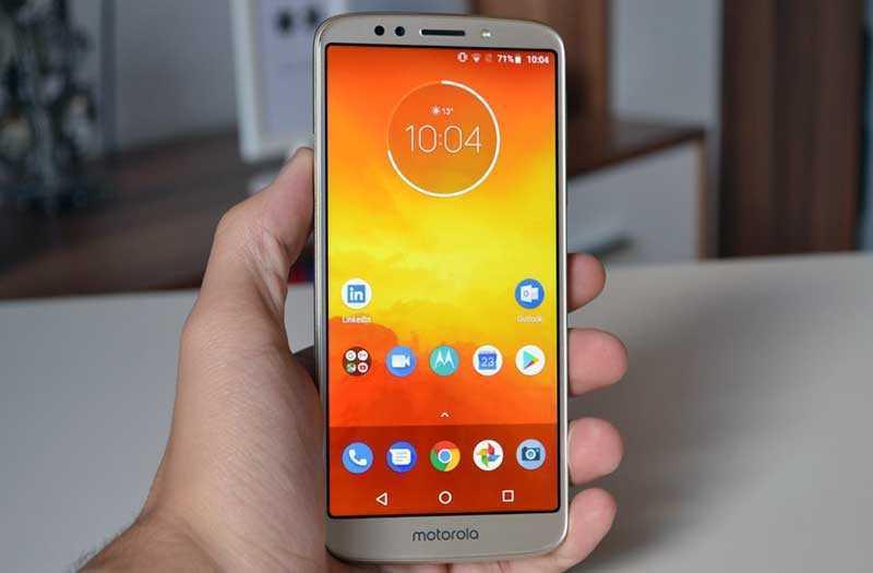 Motorola Moto E5 экран