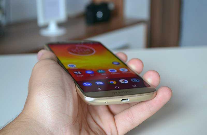 Motorola Moto E5 углы обзора