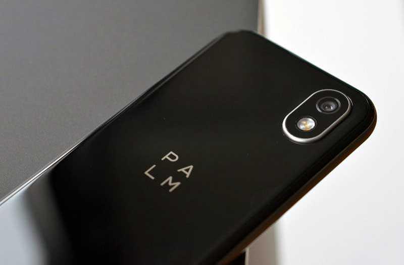 Palm Phone 2018 сзади