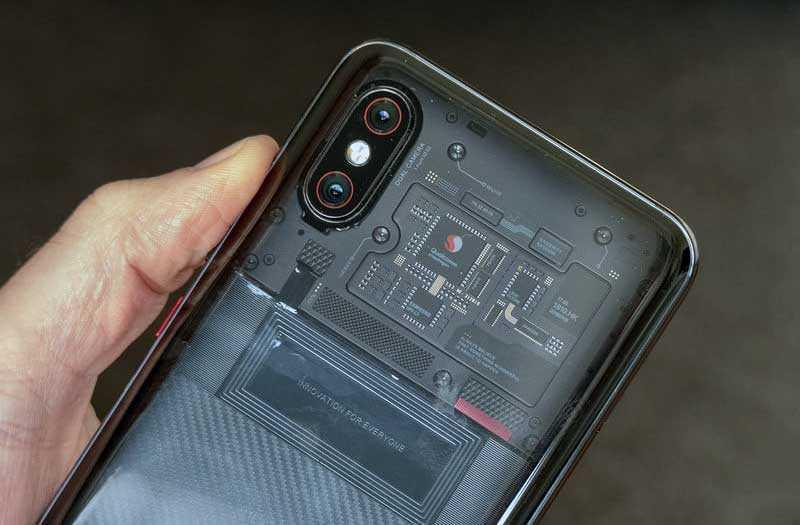 Xiaomi Mi 8 Pro дизайн
