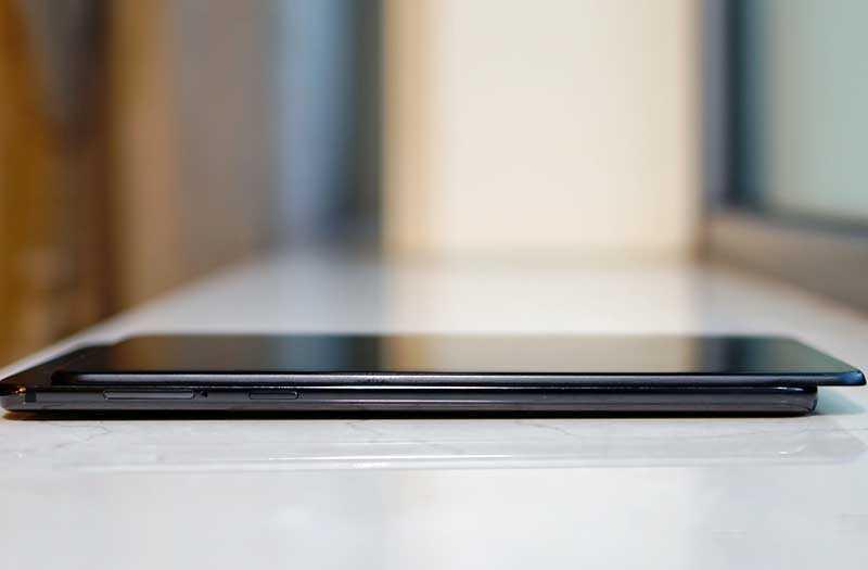 Xiaomi Mi Mix 3 сбоку