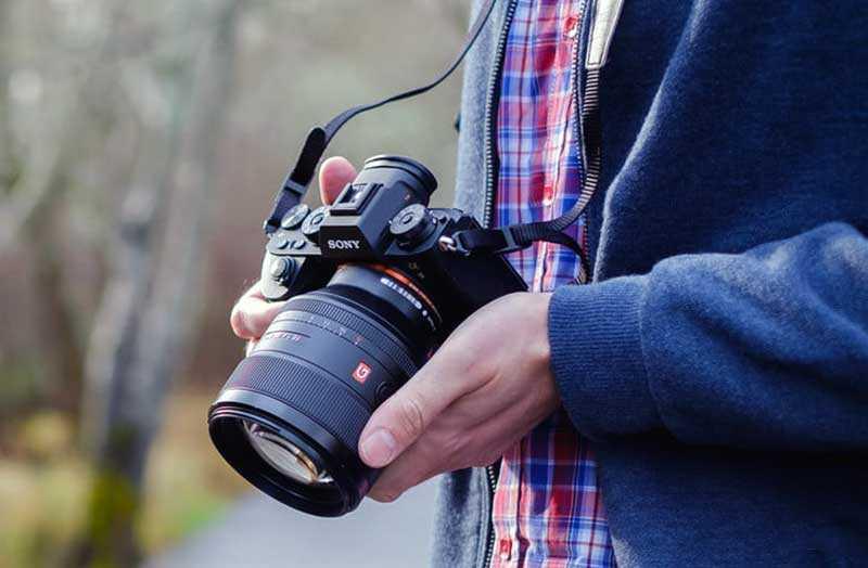 Какой фотоаппарат у марка подрабинека