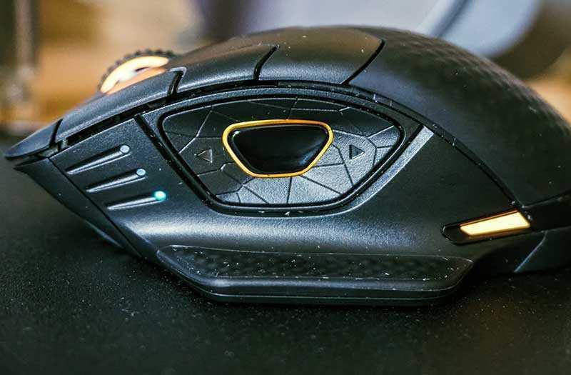Corsair Dark Core SE боковые кнопки
