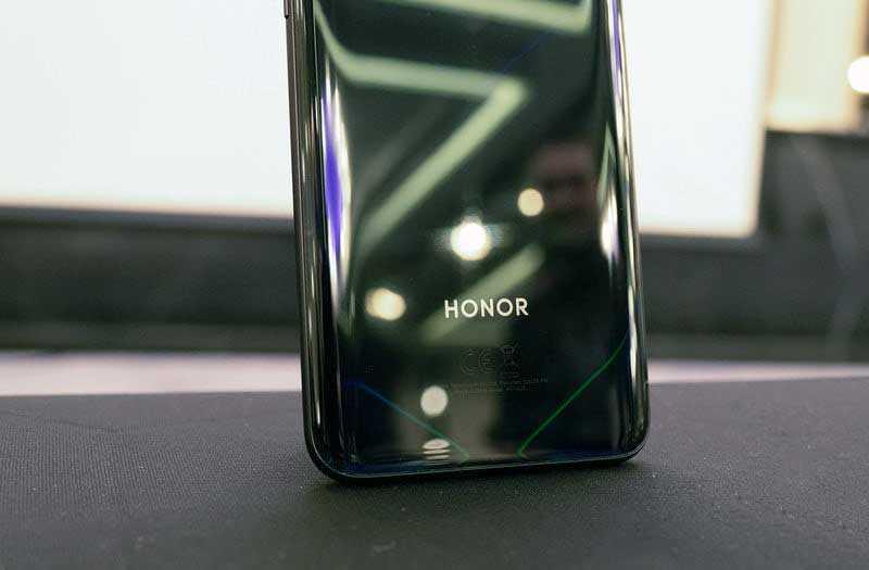 Honor View 20 дизайн