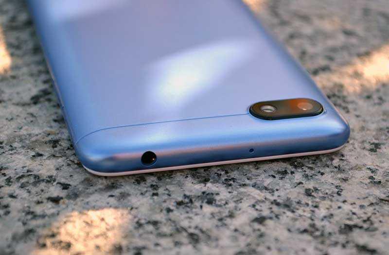 Xiaomi Redmi 6A сверху