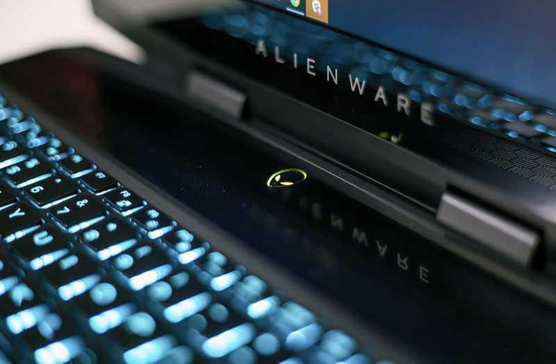 Ноутбук Alienware m15