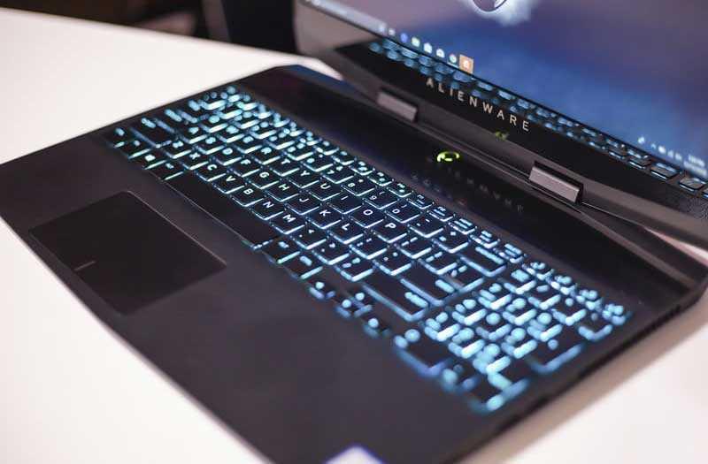 Alienware m15 клавиатура