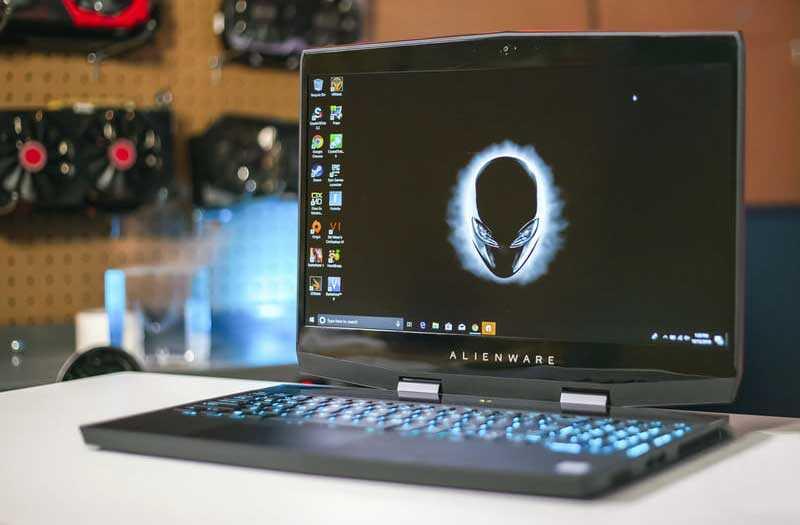 Alienware m15 – эволюция в линейке игровых ноутбуков. Лэптоп получился меньше, привлекательнее и таким же мощным.