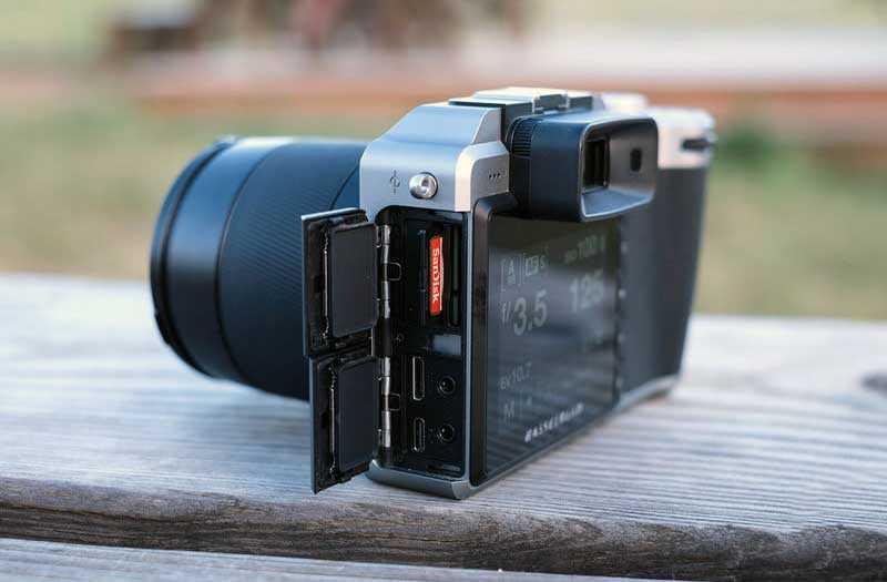 Hasselblad X1D-50c слоты