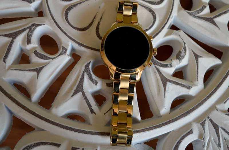 Часы Michael Kors Access Runway