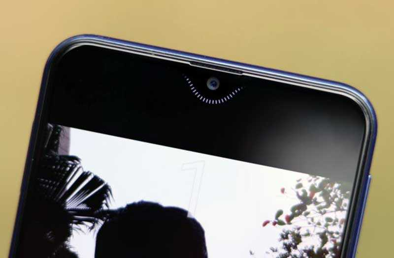 Samsung Galaxy M20 передняя камера