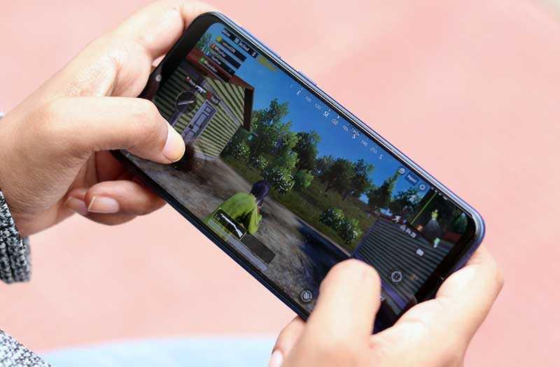 Samsung Galaxy M20 в играх