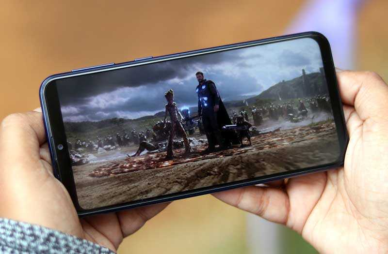 Samsung Galaxy M20 дисплей