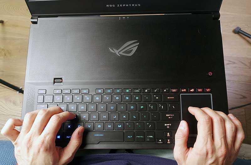 Asus ROG Zephyrus S GX701 клавиатура
