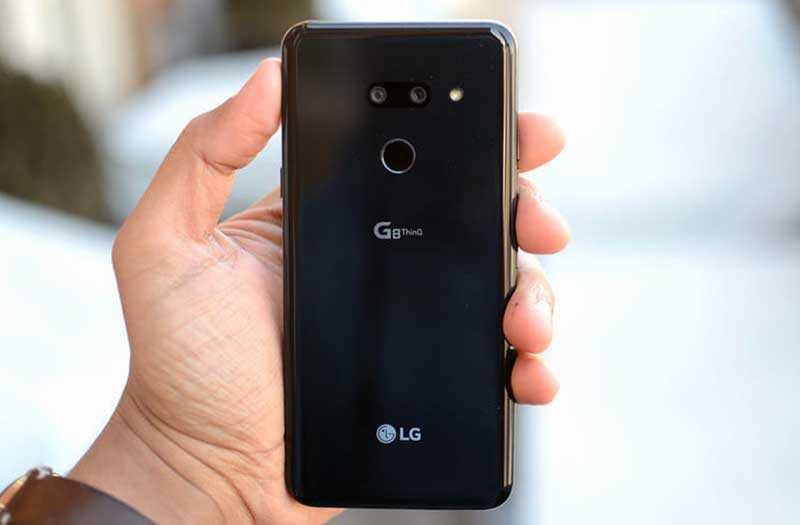 LG G8 ThinQ сзади