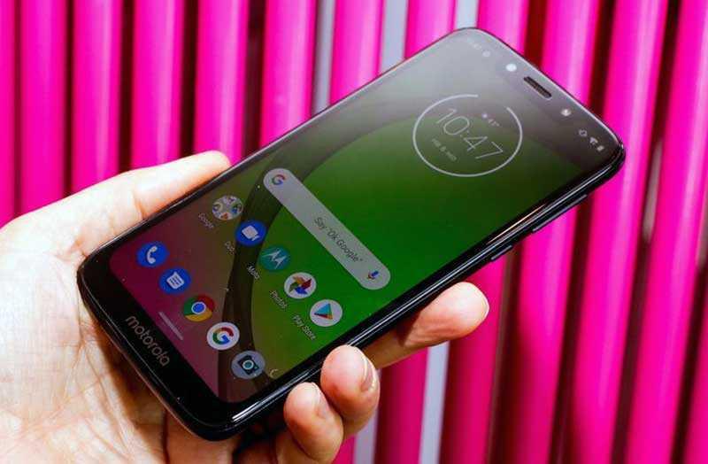 Телефон Moto G7