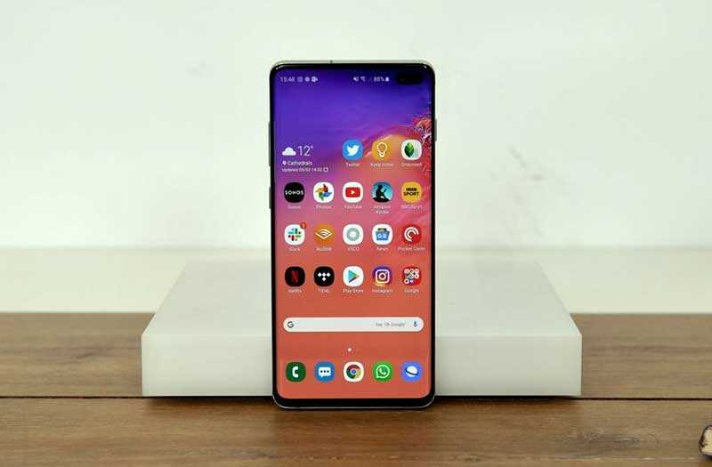Телефон Samsung Galaxy S10 Plus