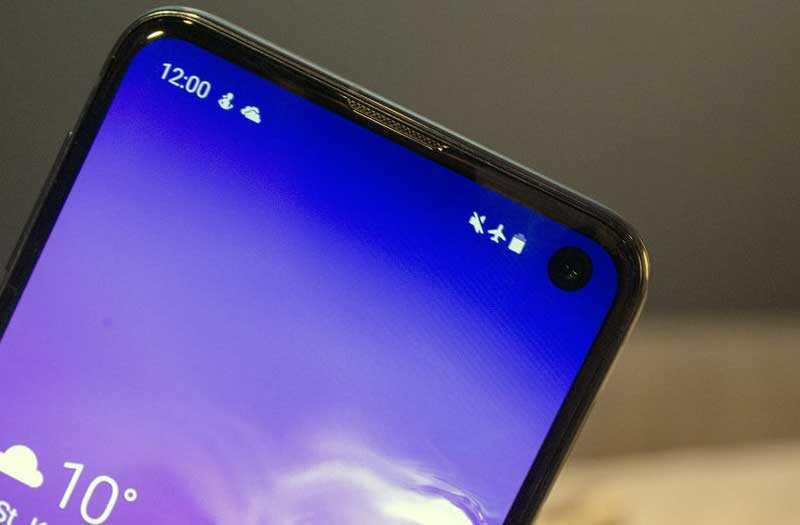 Samsung Galaxy S10e передняя камера