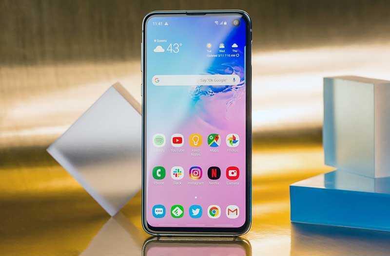 Samsung Galaxy S10e дисплей
