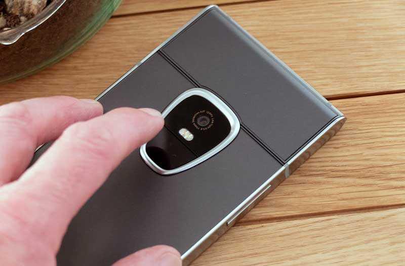 Sirin Labs Finney камера