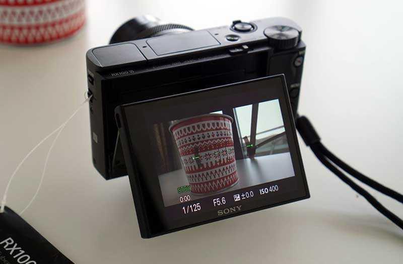 Sony RX100 VI дисплей