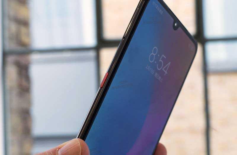 Xiaomi Mi 9 сбоку